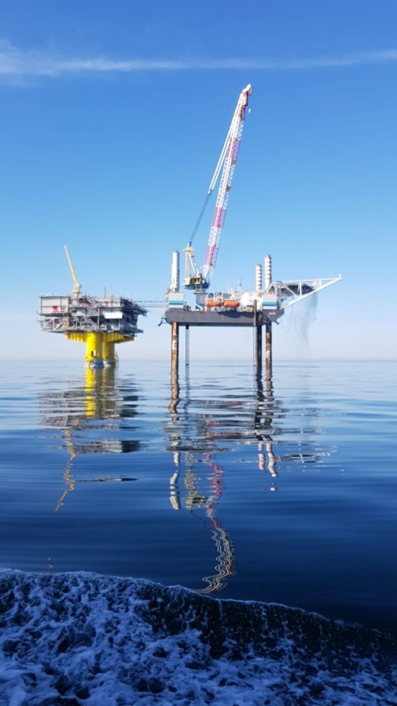 offshore hook up
